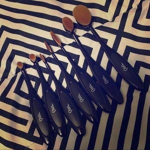 Quo 6 pieces Brushes ❤️❤️❤️